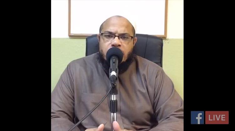 Umdatul Ahkaam: Reciting in Prayer